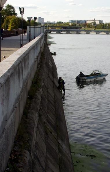 В Челябинске спасатели городской службы спасения вечером воскресенья, 29-го сентября, подняли из