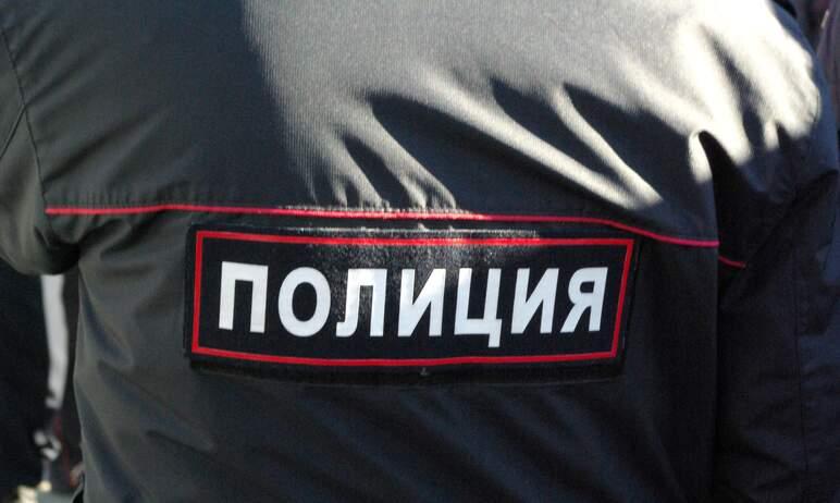 Полицейские Златоуста (Челябинская область) задержали уголовника, который похитил имущество из сг