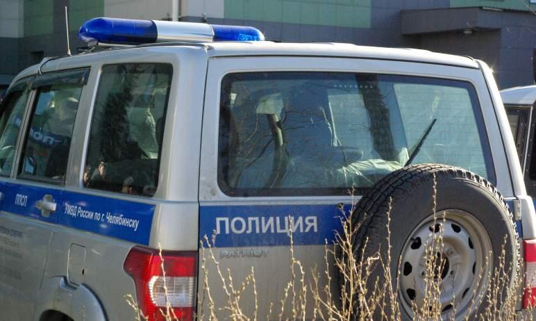 Полицейские Челябинска задержали женщину-закладчицу, которая выходила на «дело» с ребенком.