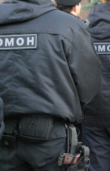 В Челябинске ОМОН Росгвардии проводит спецоперацию на улице Свободы. Она проходит в том месте, гд