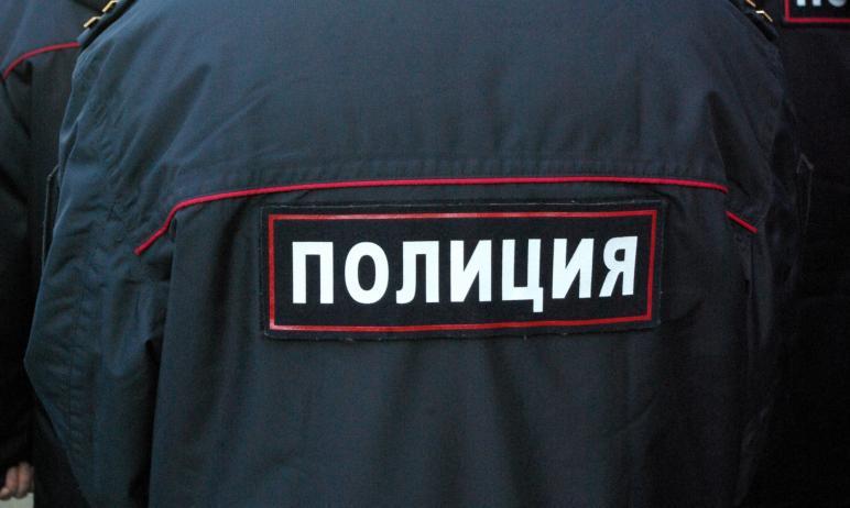 В Магнитогорске (Челябинская область) ищут мошенников, которые, представляясь силовиками, выманил