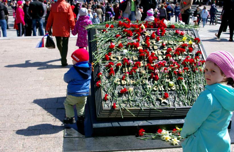 В Челябинске в День Победы, 9 мая, для горожан споют звезды отечественной эстрады Лев Лещенко и Е