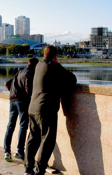 В Челябинске продолжается реконструкция набережной реки Миасс. Работы еще не завершены, но жители