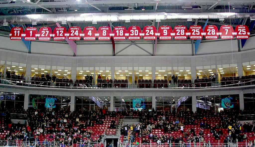 Сегодня, 17 января, южноуральские хоккейные клубы проведут очередные матчи в Континентальной Хокк