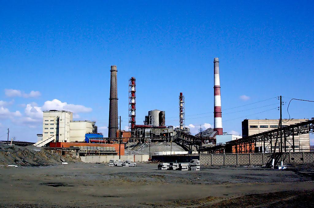 Русская медная компания намерена демонтировать трубу металлургического цеха завода «Карабашмедь»