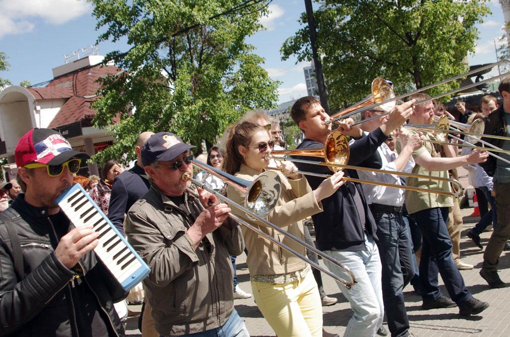 В первый фестивальный день на сцене Концертного зала имени Сергея Прокофьева выступило целое соз