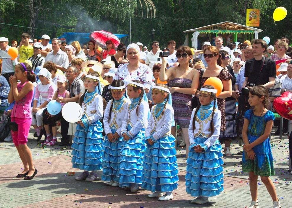 Праздник, организованный при поддержке Конгресса татар Челябинской области, собрал в Саду Победы
