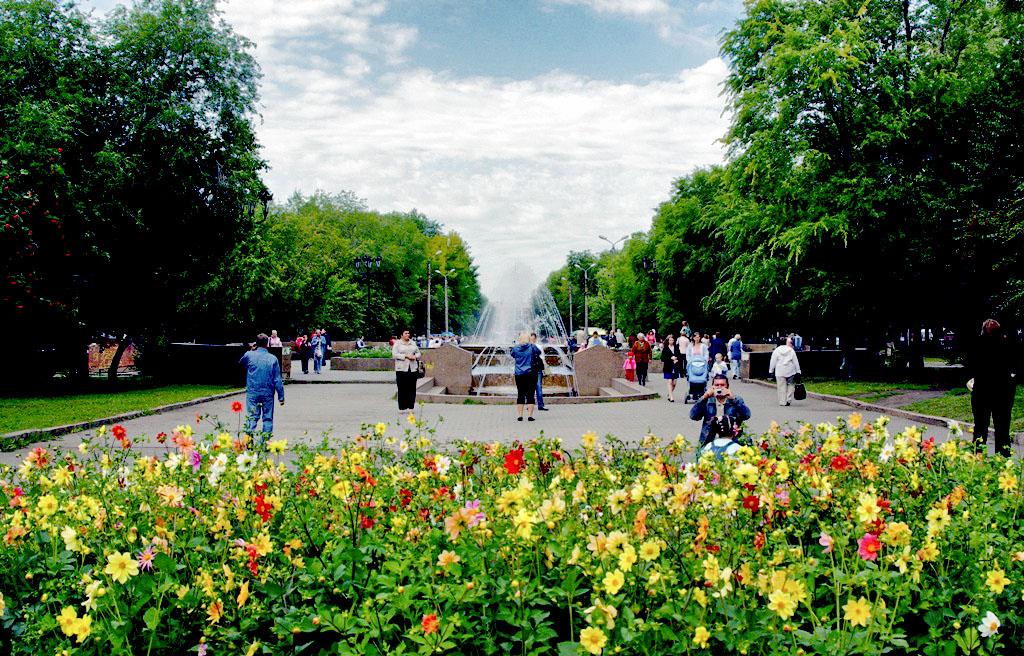 Сквер Металлургов появился на карте Челябинска в честь 75-летия Челябинского металлургического ко
