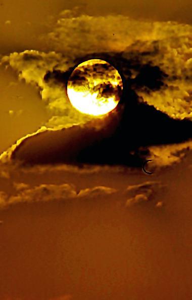 Декабрьское небо, при условии ясной погоды, порадует россиян яркими зимними созвездиями и двумя з