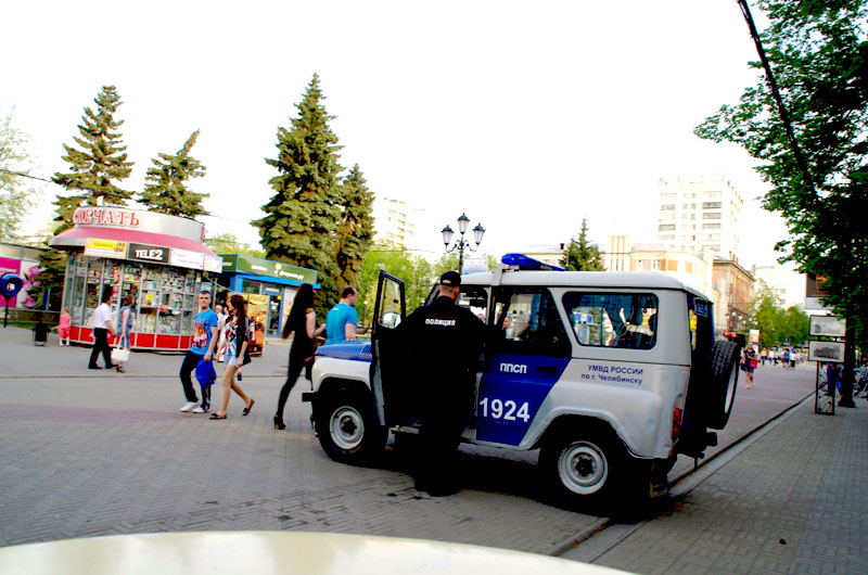В Челябинске задержан бывший сотрудник полиции по делу о взятке. Константина Овдина обвиняют в мо
