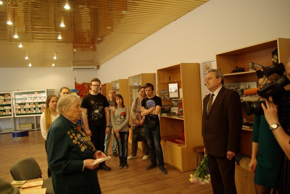 Экспозицию открыл директор челябинского филиала Почты России и основатель Музея почтовой связи