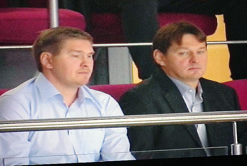 На торжественную церемонию из Москвы приехали сыновья Сергея Мыльникова Дмитрий и Сергей. Они так