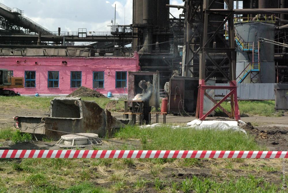 В среду, 10 октября, в цехе «Прокат-4» на участке размотки бунтов, в пять часов утра обнаружили т
