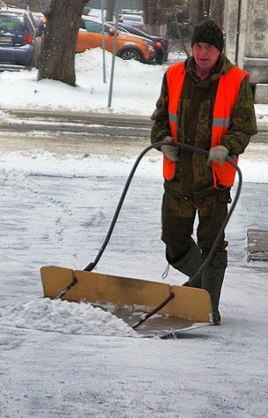 Во всех районах Челябинской области в ночь с 4 на 5 декабря прошел небольшой, умеренный снег.