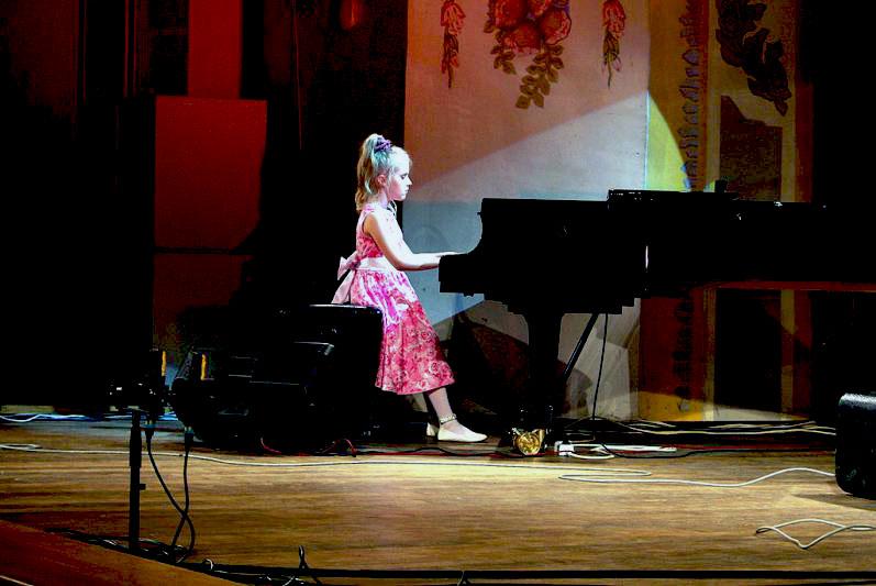 Джазовое пособие для начинающих пианистов в Челябинске издаётся впервые. В составе авторского кол