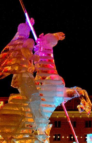 Каким будет главный ледовый городок Челябинска, который традиционно вырастает на площади Революци