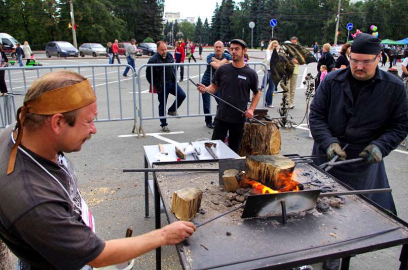 В этом году проведение фестиваля приурочено двум памятным датам – Дню города Златоуста и 200-лети