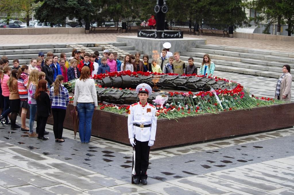 Планируется, что по главной площади города промаршируют 25 парадных расчетов, рота почетного кара