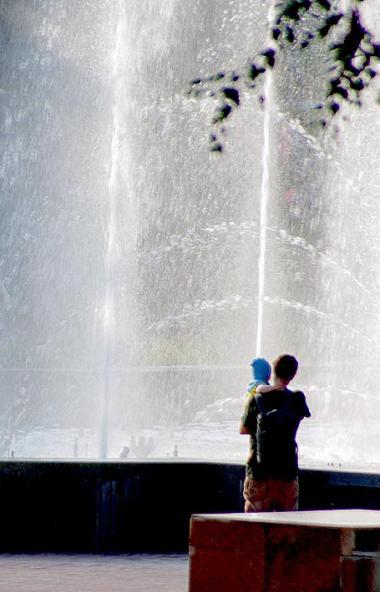 Музыкальный фонтан на площади Революции Челябинска запоет для горожан и гостей южноуральской стол