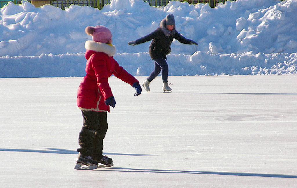 Сегодня, 5 февраля, в связи с низкой температурой окружающего воздуха отменены занятия в школах г