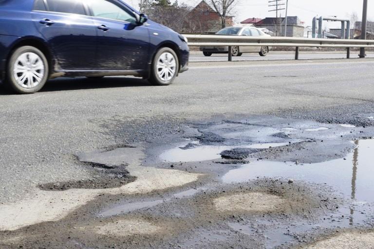 В Челябинской области 48% дорог находится в ненормативном состоянии. По стране данный показатель