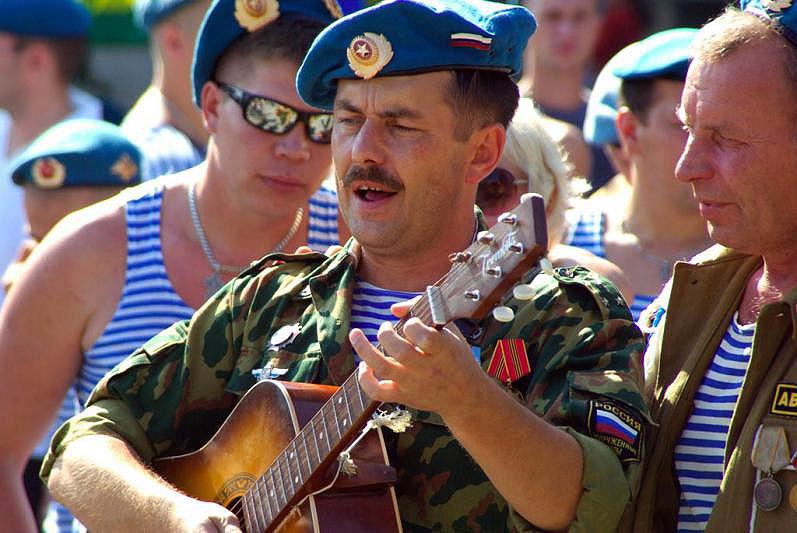 Ежегодный фестиваль «Опаленные сердца» посвящен подвигам солдат и офицеров Вооруженных Сил РФ, пр