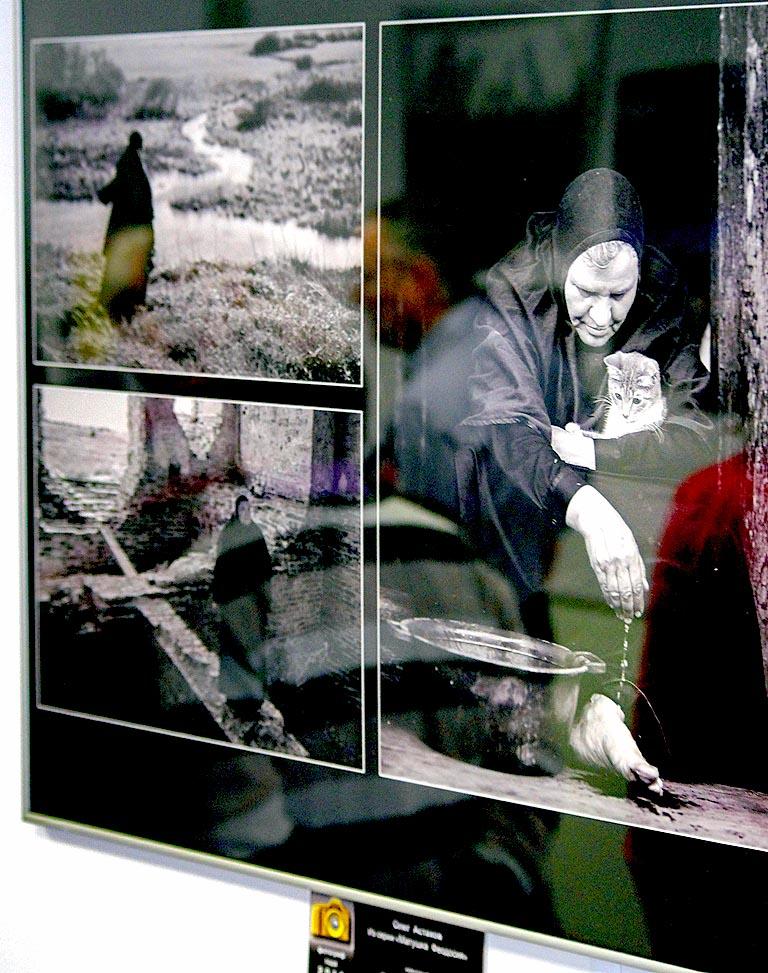 В экспозиции под названием «Русская монахиня. Возрождение обители» представлено около 30 работ, к
