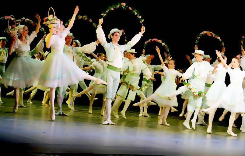 Конкурс проходит по инициативе министерства культуры Челябинской области с 1995 года, в этом году