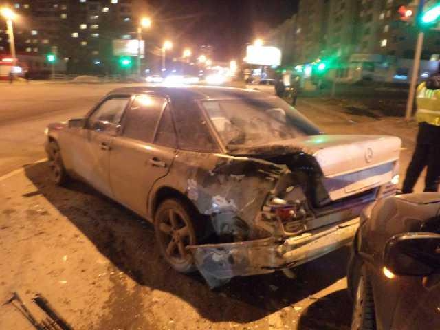 Как сообщили агентству «Урал-пресс-информ» в отделе пропаганды ГИБДД по Челябинску, автомобиль «M