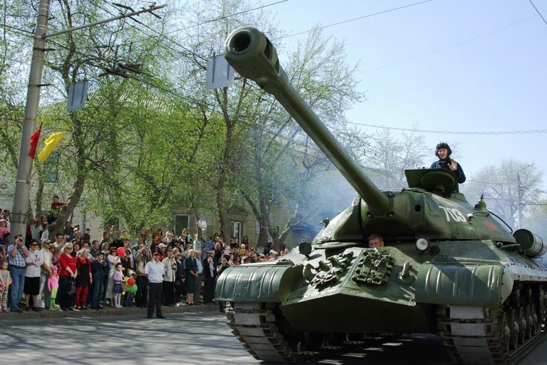 В День Победы, 9 мая, движение будет закрыто с 10 часов утра и до окончания парада (примерно до 1