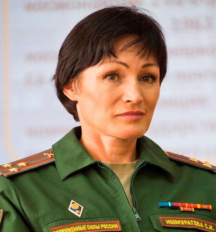 Погоны легенде армейского спорта Ишмуратовой вручили статс-секретарь – заместитель министра оборо