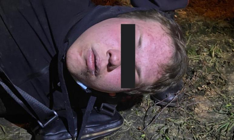 В ночь на 5 апреля двое неизвестных совершили нападение на продуктовый ларек по улице Захаренко.