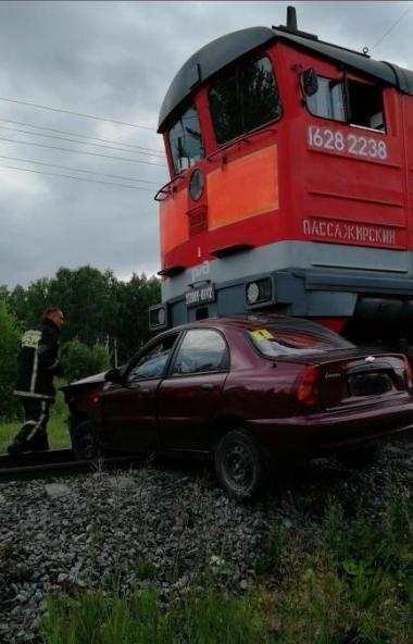 В Озерске (Челябинская область) неопытная автоледи, которая получила права в марте этого года, за