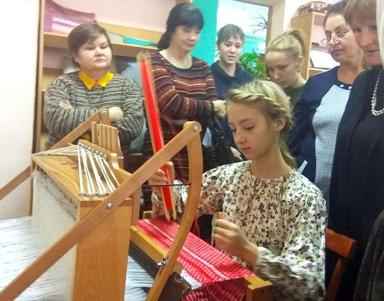 В работе областной секции мастеров приняло участие 30 мастериц из 10 муниципальных территорий Чел