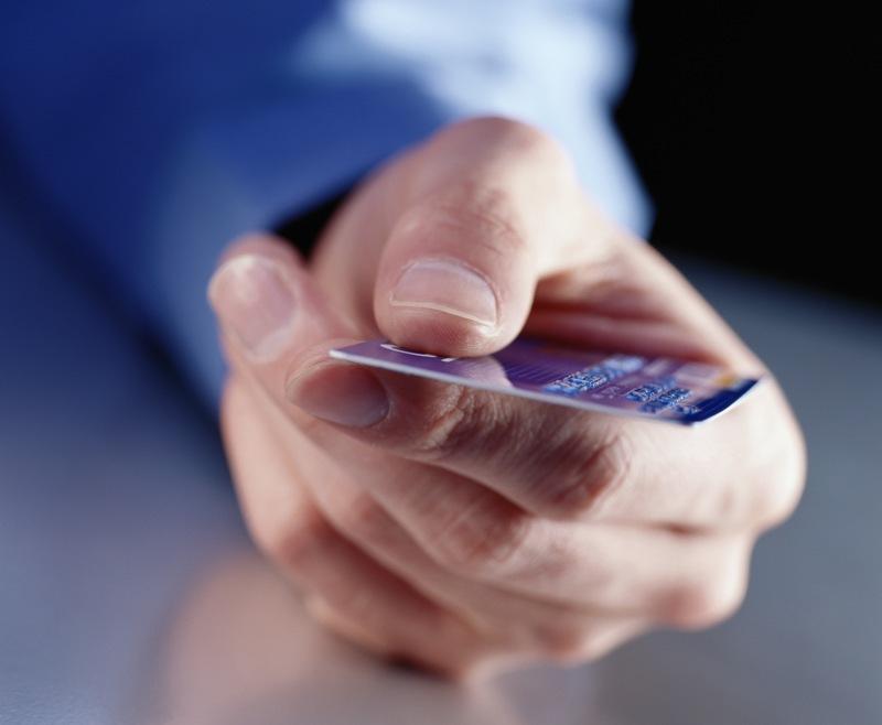 Во всем мире кредитные карты считаются основной альтернативой потребительскому кредиту. С такой к