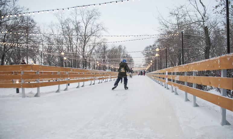 В субботу, шестого февраля, челябинцы не смогут покататься на коньках в парке Пушкина, сообщили в