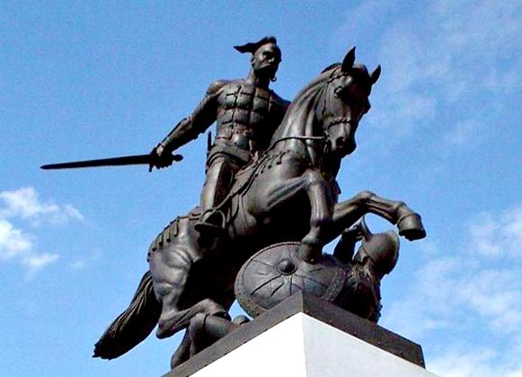 В этот день у славян было принято проводить ритуальные поединки, воинские посвящения и славить я