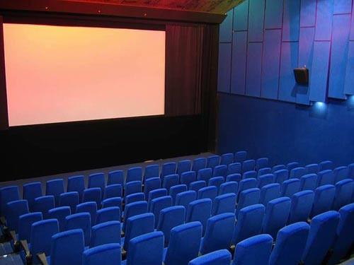 По установившейся уже традиции местом проведения сеансов немецких фильмов является старейши