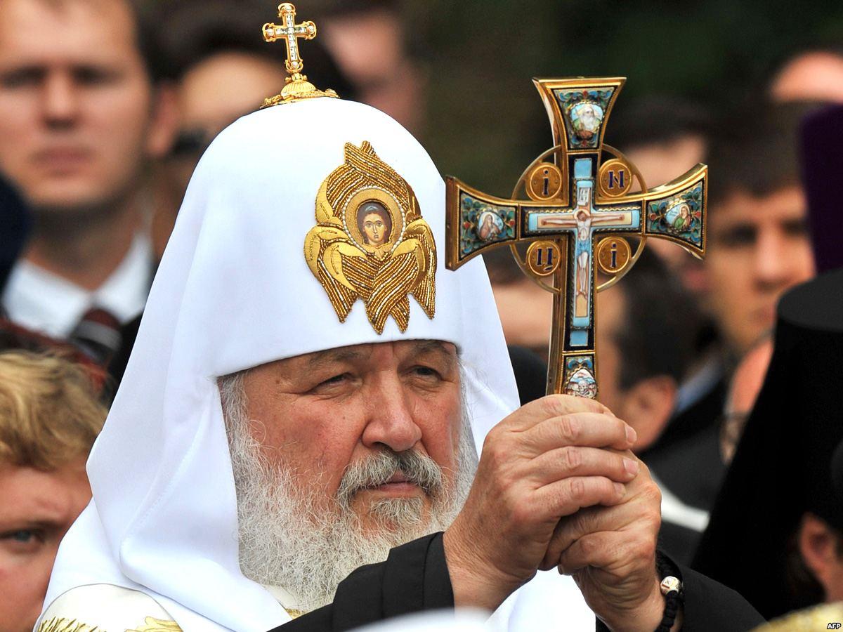 В Послании говорится: «Преосвященные архипастыри, всечестные отцы, боголюбивые иноки и ино