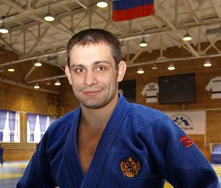 В полуфинале турнира по дзюдо в весовой категории до 90 килограммов Кирилл Денисов проиграл кубин