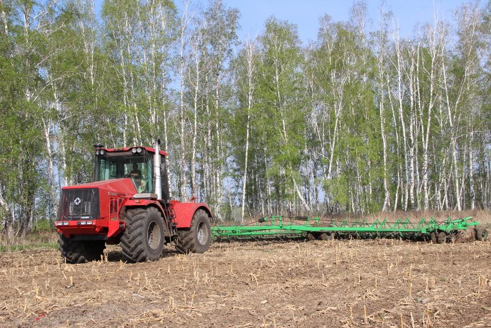 По данным на сегодняшний день аграрии преодолели миллионную планку: зерновыми и зернобобовыми кул
