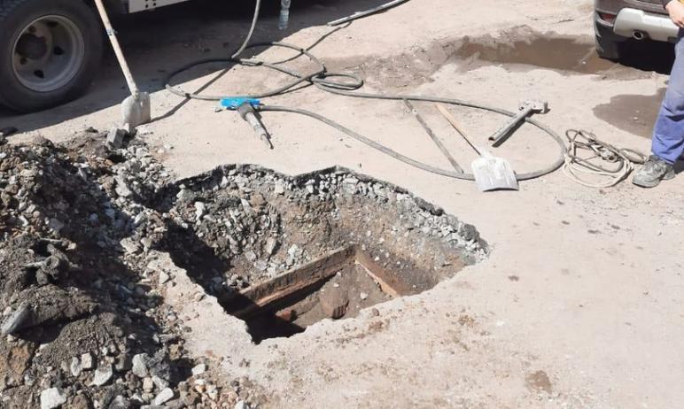 В Челябинске привели в порядок поврежденный при благоустройстве двора дома №6 по улице Шуменской
