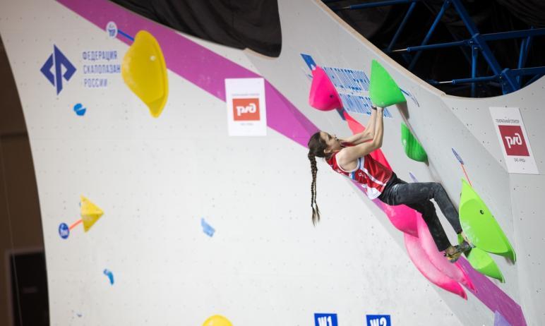 Дарья Акулова из Челябинской области стала победительницей первенства Европы по скалолазанию. Она