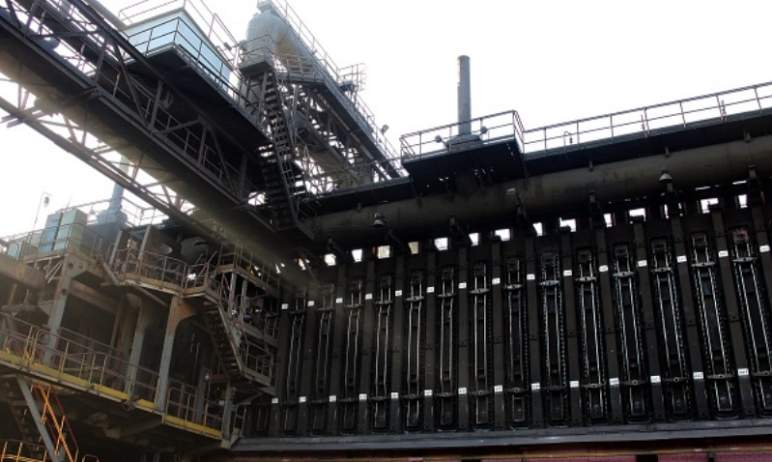 В коксовом цехе Магнитогорского металлургического комбината (Чел