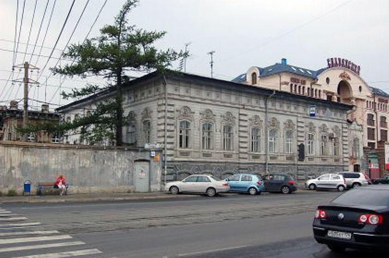 Почетная доска на доме предпринимателя и мецената Василия Колбина стала первым в Челябинске памят