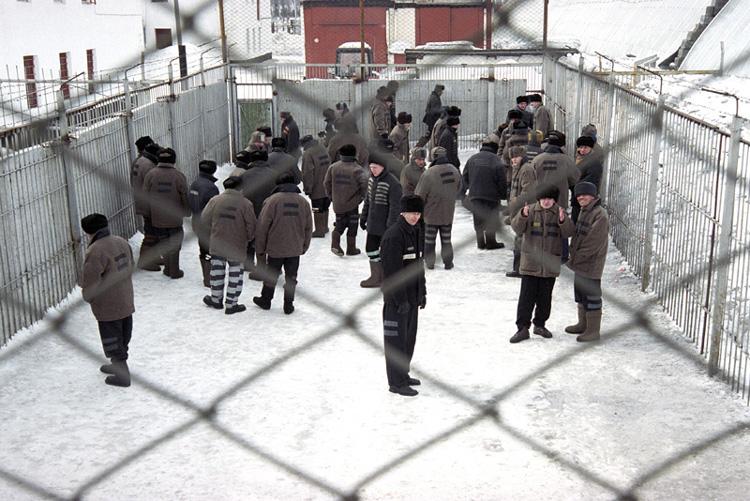 Фактически подсудимый выгораживал прапорщика Мальшакова, дал показания против замначальника колон