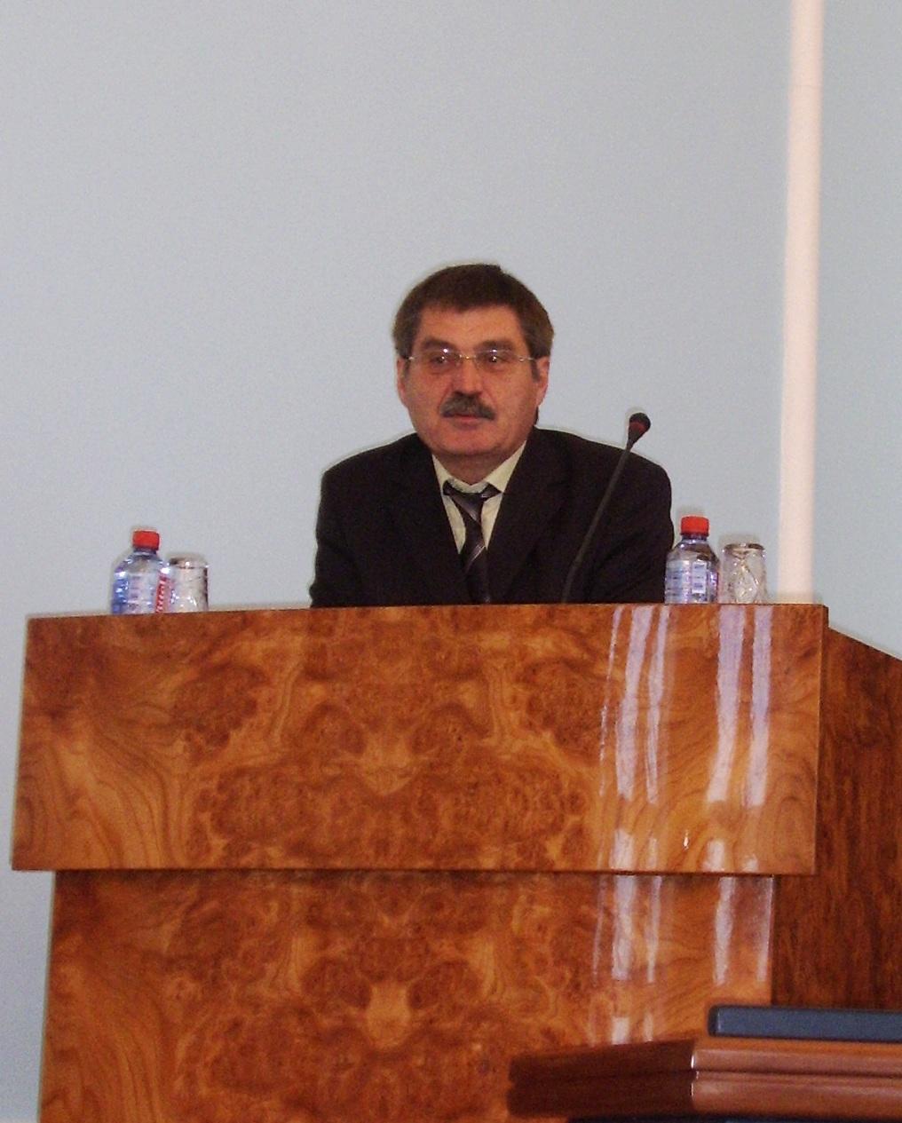 Как сообщил Сергей Комяков агентству «Урал-пресс-информ», с начала 2012 года вектор развития экон