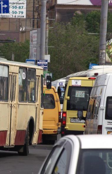 Администрация Челябинска намеревалась выделить отдельную полосу для движения муниципального общес