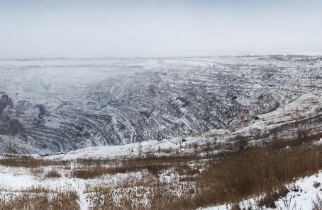 Открывая совещание, глава региона отметил, что запасы угля в Коркинском разрезе расс