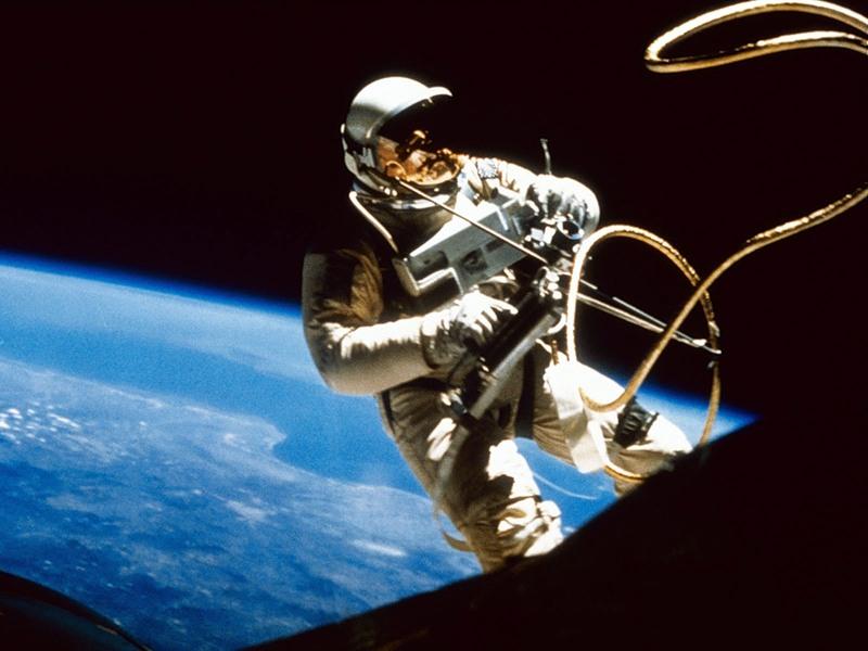 В связи с тем, что 2011 год объявлен годом российской космонавтики, специалистами фабрики «Оружей